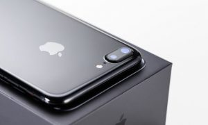 iphone7_jetblack_free02